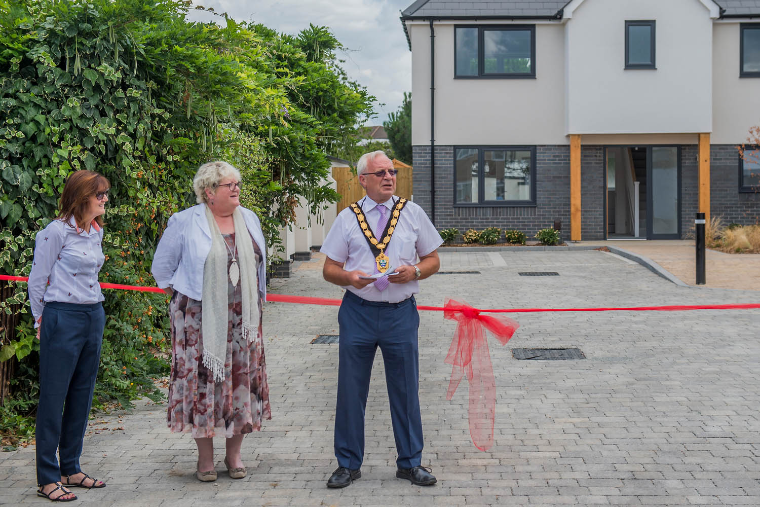 The Mayor opens a new Rosebery development in Epsom. Guy Bell, 07771 786236, guy@gbphotos.com